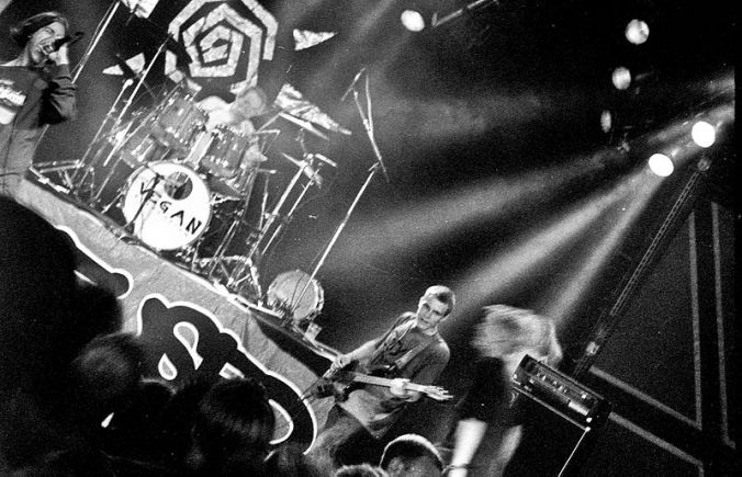 800px-Refused_@_Hultsfredsfestivalen_1994_2